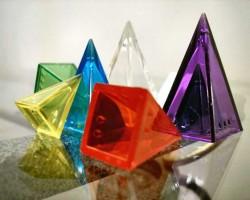 #18: Diez juegos con pirámides de icehouse