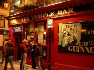 #19: Diez juegos para jugar en un bar